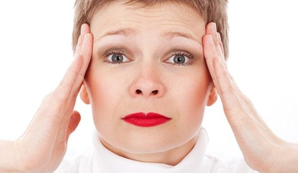 9 Essential Oil Remedies To Scare The Headache Away Naturally!